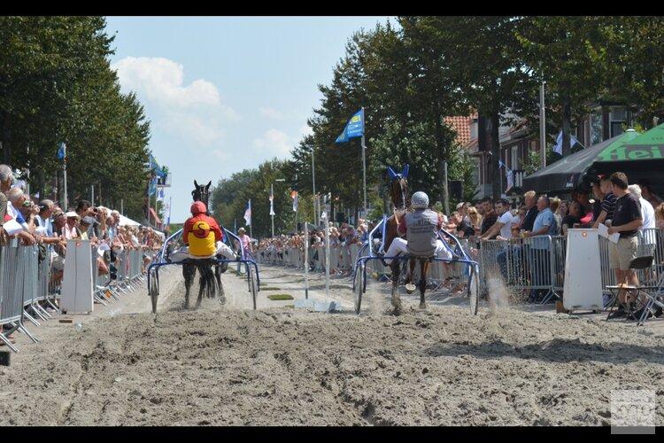 Kortebaandraverijen.nl biedt online paardenkoers aan in plaats van kortebaan IJmuiden