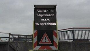 Afgesloten route over sluizencomplex IJmuiden: vijf vragen en antwoorden