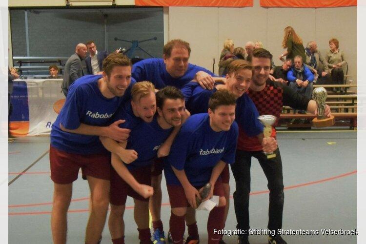 Al 29 jaar rivaliteit en gezelligheid tussen voetballende straten in Velserbroek