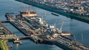 Velsen dreigt met juridische stappen tegen Rijkswaterstaat om gesloten sluisroute