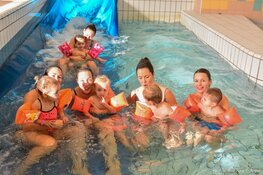 Gratis zwemmen en aquasporten voor moeders