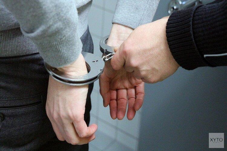 IJmuidenaar uit woning gehaald door arrestatieteam