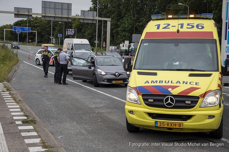 Vrouw lichtgewond bij ongeval op de Velsertraverse
