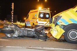 Motor botst op ambulance op de N202 bij Velsen-Zuid