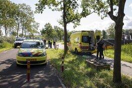 Fietsster gewond na botsing tegen paaltje in Spaarnwoude