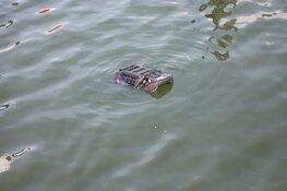 Auto te water gereden in IJmuiden