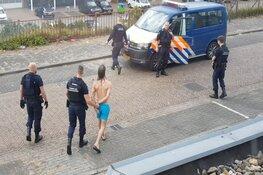 Naakte man met nepwapen opgepakt in IJmuiden