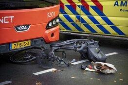 Fietsster gewond na botsing met R-Net bus in Driehuis