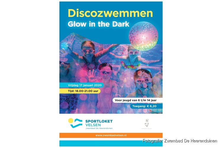 Glow in the Dark Party in zwembad De Heerenduinen