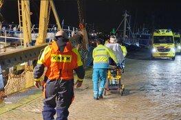 Visser gewond bij ongeluk aan boord kotter voor kust IJmuiden