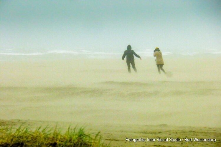 Storm geeft mooie beelden op Noordpier