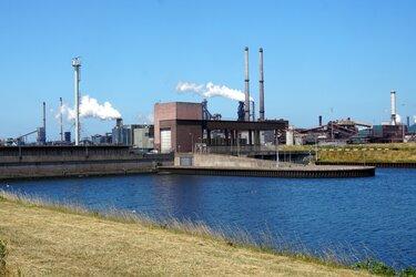 """Keiharde knal gehoord in Wijk aan Zee na 'incident' bij Tata Steel: """"Nog nooit meegemaakt dit"""""""