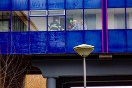 Senior komt vast te zitten in stoel in Velserbroek; hulpdiensten gealarmeerd